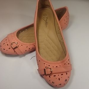 Tory Klein 8.5  Pink Buckle Flats With Sole Grip
